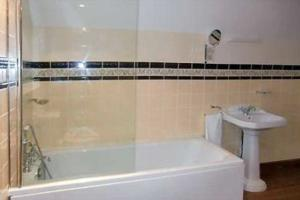 bathroom-72-69958